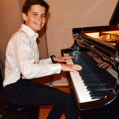 /news/steinway-junior-piano-competition
